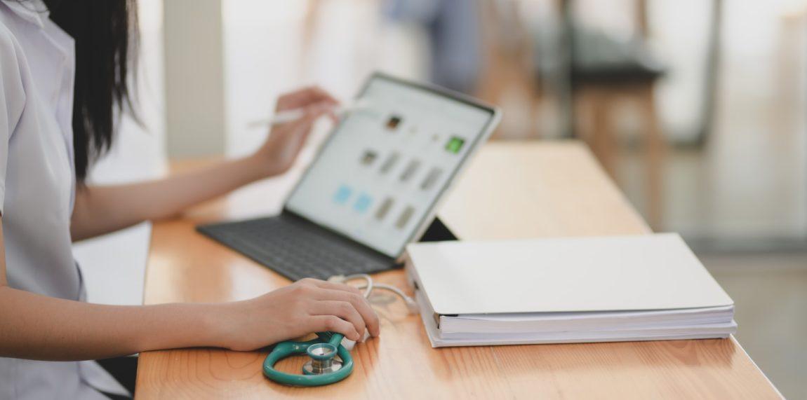 Tecnologia transforma o atendimento aos pacientes - Foto de bongkarn thanyakij no Pexels
